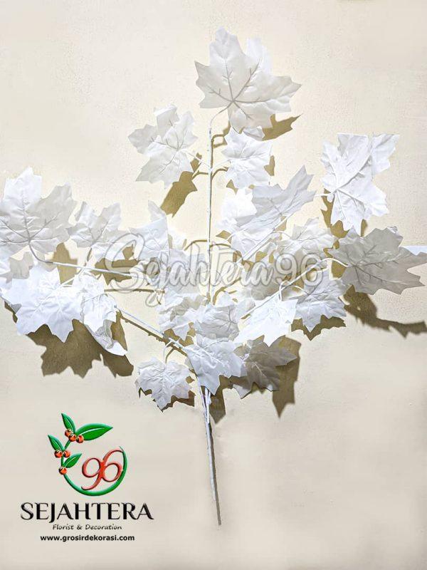 Daun Maple Cabang 5 Putih