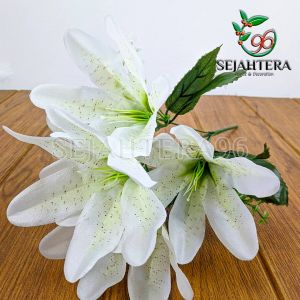 Bunga Lily Mini Cabang 5 Putih