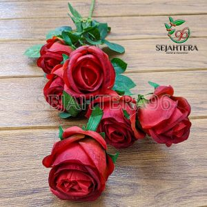 Rose Blues Merah