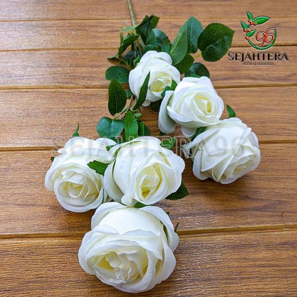 Rose Blues Putih